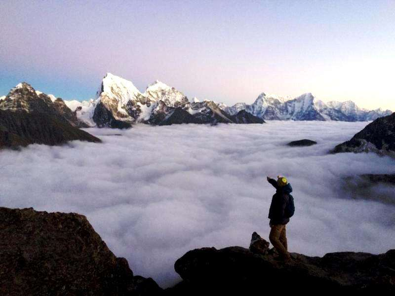 Mountain range with view of valley during your trek to Everest via Gokyo ri pass